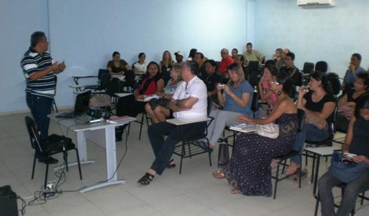 """Palestra - """"Um mundo dentro de outro mundo: educação prisional em Pernambuco"""""""